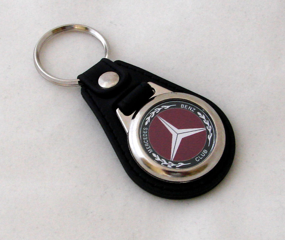 Mercedes Benz Club Black Oval Keyring